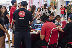 September 2, 2017 - Kuala Lumpur, MALAYSIA - Many of Malaysian queue up for vote registration of the 14th General Election (GE14) at One Utama shopping complex in Kuala Lumpur, Malaysia on September 2, 2017. Malaysian have to register to vote before mid-September in order to be an eligible voter the GE14. (Credit Image: © Chris Jung via ZUMA Wire)