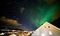 Nordlys over Ellingsøya i de første minuttene av 2016.