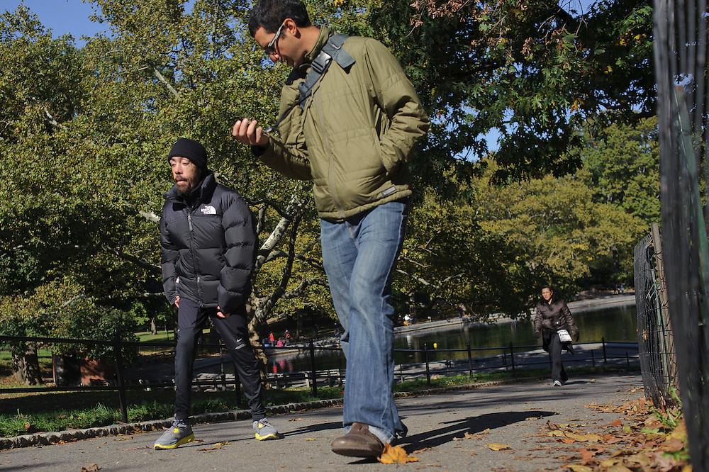 Maickel Melamed ejercita en Central Park junto con Federico Pisani, su entrenador. Maickel se prepara para correr el Maratón de NY 2011.
