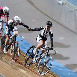 27-12-2014: Wielrennen: NK Baanwielrennen: Apeldoorn Kelly Markus en Amy Pieters pakken de titel koppelkoers vrouwen op de baan