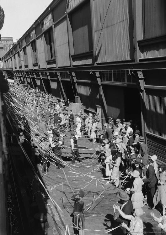 Ship leaving for Wellington, a colonial farewell, Australia, 1930