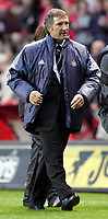 Fotball<br /> Premier League 2004/05<br /> Charlton v Newcastle<br /> 17. oktober 2004<br /> Foto: Digitalsport<br /> NORWAY ONLY<br />  Newcastle's Graeme Souness walks off disapointed