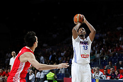 06.09.2014, Palacio de Deportes, Madrid, ESP, FIBA WM, Frankreich vs Kroatien, im Bild France´s Diaw (R) // during FIBA Basketball World Cup Spain 2014 match between France and Croatia at the Palacio de Deportes in Madrid, Spain on 2014/09/06. EXPA Pictures © 2014, PhotoCredit: EXPA/ Alterphotos/ Victor Blanco<br /> <br /> *****ATTENTION - OUT of ESP, SUI*****