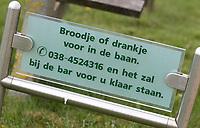 ZWOLLE - bestellen van eten en drinken op de tee. Golf Club Zwolle . COPYRIGHT KOEN SUYK