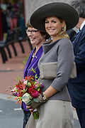 Koningin Maxima opent het nieuwe Isala ziekenhuis in Zwolle.Het nieuwe gebouw, ontworpen door Alberts & Van Huut, is uitgerust voor complexe medische zorg.<br /> <br /> Queen Maxima at the opening of the new Isala hospital in Zwolle.The new building, designed by Alberts & Van Huut, is equipped for complex medical care. <br /> <br /> Op de foto / On the photo:  Koningin Maxima verricht de officiele opening / Queen Maxima performed the official opening