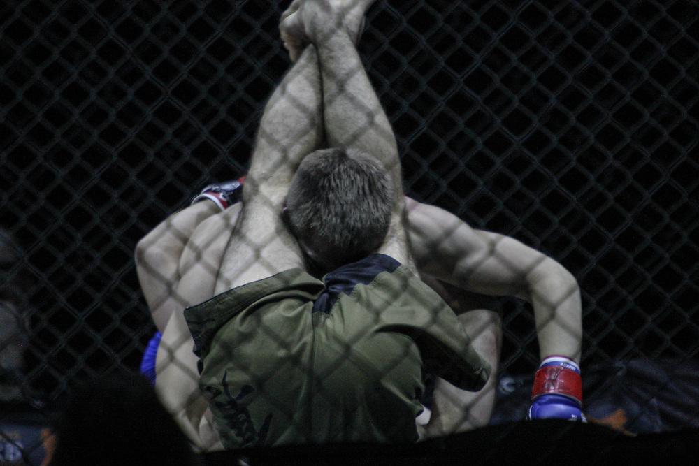 Kampfsport: MMA, We love MMA, Oberhausen, 31.01.2015<br /> Nepomuk Minarik (Alligator Rodeo Team Wuppertal, unten) - Philimon Schibli (Combat Club Cologne)<br /> © Torsten Helmke