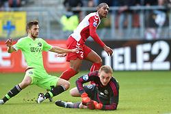 13-12-2015 NED: FC Utrecht - AFC Ajax, Utrecht<br /> Utrecht verslaat Ajax opnieuw in de Galgenwaard 1-0 / Sebastien Haller #22 FRA scoort maar het doelpunt wordt voor buitenspel afgekeurd.