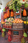 Israel, Tel Aviv, An outdoor fruit juice stall in David Ben Gurion Boulevard and Dizengoff street .