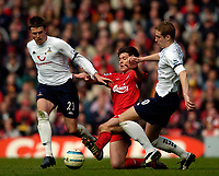 Photo. Jed Wee, Digitalsport<br /> Liverpool v Tottenham Hotspurs, Barclays Premiership, 16/04/2005.<br /> Liverpool's excellent Xabi Alonso (C) is on this occasion well marshalled by the Tottenham defence.