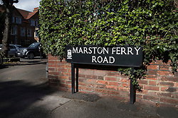 © Licensed to London News Pictures. 30/09/2016. Oxford, UK. The junction of Banbury Road and Marston Ferry Road in the Summertown area of Oxford. A police hunt continues in Oxford for two men who abducted and raped a 14-year-old girl while she was on her way to school. The teenager was snatched and driven away from the Summertown area of Oxford at 8.25 on Wednesday morning. Photo credit: Peter Macdiarmid/LNP