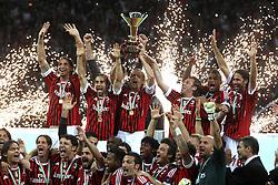 14-05-2011 VOETBAL: AC MILAN - CAGLIARI: MILAN<br /> Massimo Ambrosini solleva la coppa.Festeggiamenti del Milan Campione d'Italia, Milan Campione<br /> ***NETHERLANDS ONLY***<br /> ©2011- FRH-EXPA/ InsideFoto/ Paolo Nucci
