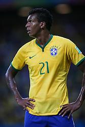 Jô, atacante do Brasil em lance da partida contra o México em partida válida pela segunda rodada do grupo A da Copa do Mundo 2014. FOTO: Jefferson Bernardes/ Agência Preview