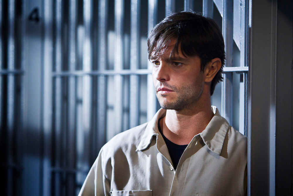 In this episode of Breakout Kings, Damien Fontleroy (Jason Behr), with partner Brent Howson, kidnapped women, tortured them, and killed them until he was finally caught and - with the help of a young Dr. Lloyd Lowery - sent to prison. Photo: Skip Bolen/A&E Television Networks
