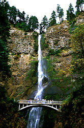 Oregon: Columbia River Gorge, Multnomah Falls, Photo: orcolu103  .Photo copyright Lee Foster, www.fostertravel.com, 510/549-2202, lee@fostertravel.com