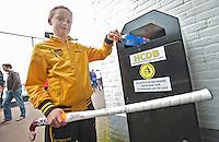 DEN BOSCH - Duurzaamheid op HC hockeyclub  Den Bosch . Houd het netjes. FOTO KOEN SUYK