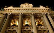 Rio de Janeiro_RJ, Brasil.<br /> <br /> O Teatro Municipal do Rio de Janeiro, localiza-se na Cinelandia (Praca Marechal Floriano), no centro da cidade do Rio de Janeiro (RJ), no Brasil.<br /> <br /> The Theatro Municipal (Municipal Theatre) of Rio de Janeiro is located in Cinelandia (Praca Marechal Floriano) in the city center of Rio de Janeiro, Brazil.<br /> <br /> Foto: LUIZ FELIPE FERNANDES / NITRO