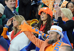 11-07-2010 VOETBAL: FIFA WK FINALE NEDERLAND - SPANJE: JOHANNESBURG<br />  Feature Fans Fan von Holland/niederlande support Oranje support met Sylvie Meis en Yolanthe Cabau van Kasbergen<br /> EXPA Pictures © 2010 EXPA/ InsideFoto/ Perottino - ©2010-WWW.FOTOHOOGENDOORN.NL<br /> *** ATTENTION *** FOR NETHERLANDS USE ONLY!
