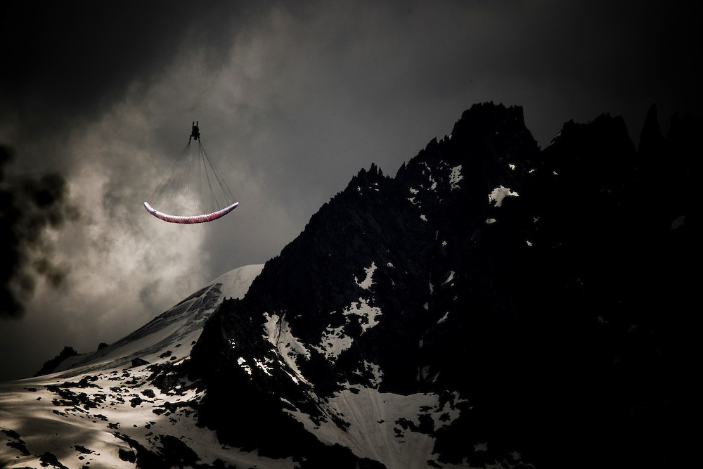 DAY 6 - TUESDAY, EVENT: NISSAN OUTDOOR GAMES 2010, RIDER: FELIX RODRIGUEZ (ESP) PARAGLIDING, SPORT: BASE JUMP, SPORT: PARAGLIDING, STYLE: ACTION, TEAM FRANCE: OSEVEN (FRA)