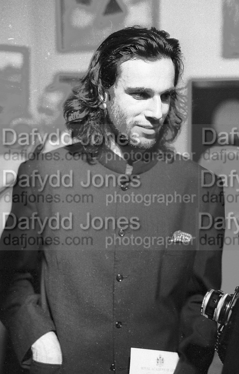 DANIEL DAY-LEWIS, Royal Academy Annual dinner, Piccadilly, London, 9 May 1988,<br /> <br /> SUPPLIED FOR ONE-TIME USE ONLY> DO NOT ARCHIVE. © Copyright Photograph by Dafydd Jones 248 Clapham Rd.  London SW90PZ Tel 020 7820 0771 www.dafjones.com