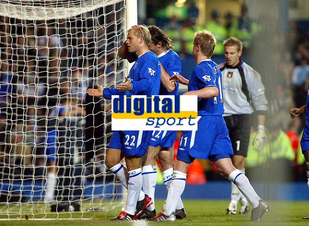 Photograph: Scott Heavey.<br />Chelsea v Notts County. Carling Cup Third Round.<br />Eidur Gudjohnson celebrates putting Chelsea further ahead from the spot