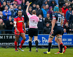referee Wayne Barnes shows a yellow card to Bristol Rugby Winger Tom Varndell  - Mandatory byline: Rogan Thomson/JMP - 18/05/2016 - RUGBY UNION - Castle Park - Doncaster, England - Doncaster Knights v Bristol Rugby - Greene King IPA Championship Play Off FINAL 1st Leg.