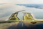 Nederland, Zeeland, Gemeente Tholen, 01-04-2016; Oesterdam met Bergsediepsluis, tussen Oosterschelde en het Bergsche Diep <br /> De dam is een compartimenteringsdam en scheidt het zoute water van de Oosterschelde (links van de dam) van het zoete water van het  Zoommeer.<br /> Oesterdam, division between salt and sweet water, part of the Delta Works.<br /> <br /> luchtfoto (toeslag op standard tarieven);<br /> aerial photo (additional fee required);<br /> copyright foto/photo Siebe Swart