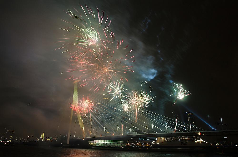 1jan  2014 <br /> Oudejaarsvuurwerk in Rotterdam<br /> (c)renee teunis