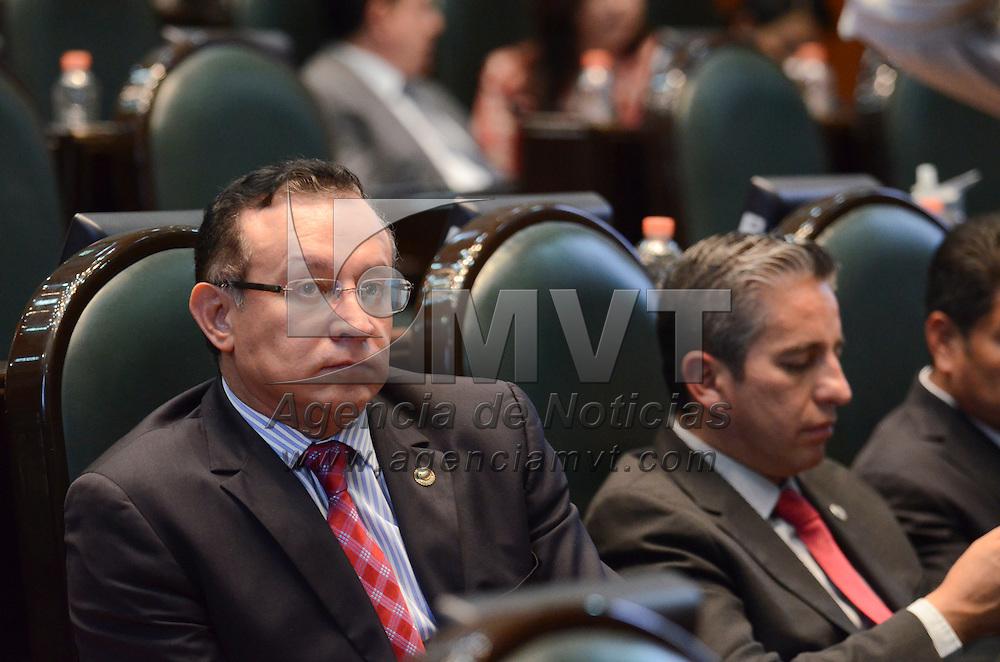 Toluca, México ( Octubre 20, 2016).- Raymundo Martínez Carbajal, Diputado Local del PRI, durante la sesión del primer periodo ordinario del segundo en la Cámara de diputado del Estado de México. Agencia MVT / Arturo Hernández.