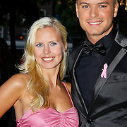 NLD/Amsterdam/20100929 - Pink Ribbon Gala 2010, Jim Bakkum en partner Bettina Holwerda