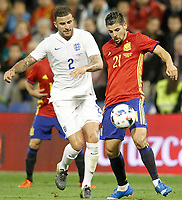 Spain's Nolito (r) and England's Kyle Walker during international friendly match. November 13,2015.(ALTERPHOTOS/Acero)