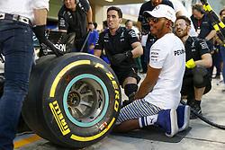 November 23, 2017 - Abu Dhabi, United Arab Emirates - Motorsports: FIA Formula One World Championship 2017, Grand Prix of Abu Dhabi, .#44 Lewis Hamilton (GBR, Mercedes AMG Petronas F1 Team) (Credit Image: © Hoch Zwei via ZUMA Wire)