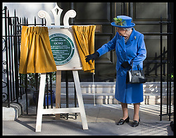 February 14, 2019 - London, London, United Kingdom - Image licensed to i-Images Picture Agency. 14/02/2019. London, United Kingdom. The Queen unveils a plaque  at Watergate House in London to mark the centenary of GCHQ, the UK's Intelligence, Security and Cyber Agency. (Credit Image: © Stephen Lock/i-Images via ZUMA Press)