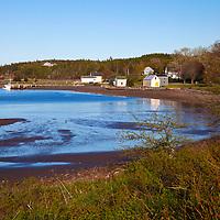North America, Canada, Nova Scotia, Guysborough. Cook's Cove at low tide.