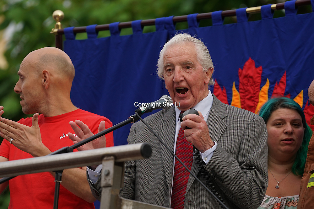 London,England,UK : 27th June 2016 : Dennis Skinner addresses the crowd KeepCorbyn protest against coup and Build our movement  at Parliament Square, London,UK. photo by See Li