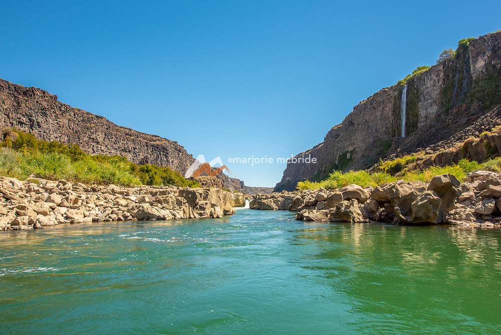 Scenic rock formations and natural springs in the Snake River canyon near Twin Falls, Idaho. MR