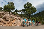 MURCIA, ESPANA - 13 DE FEBRERO: Los corredores del Astana Pro Team marcan el ritmo del grupo de favoritos durante la ascension al Alto Collado Bermejo el sabado 13 de febrero de 2016 en Murcia, Espana. (Photo by Aitor Bouzo)