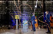 Koning opent nieuw hightech magazijn van 150-jarig CB