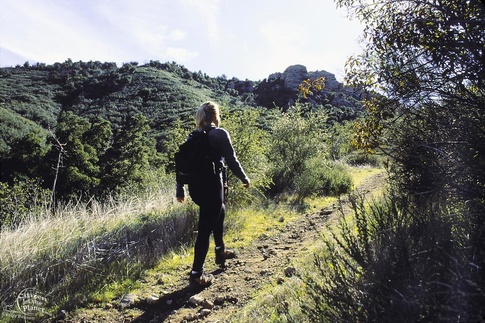 Hiker, Mishe Mokwa Trail <br /> Santa Monica Mountains <br /> National Recreation Area, California (CC)
