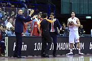 DESCRIZIONE : Milano Eurolega Euroleague 2013-14 EA7 Emporio Armani Milano Olympiacos Piraeus<br /> GIOCATORE : Giorgios Bartzokas<br /> CATEGORIA : coach Fair Play<br /> SQUADRA :  Olympiacos Piraeus<br /> EVENTO : Eurolega Euroleague 2013-2014 <br /> GARA : EA7 Emporio Armani Milano Olympiacos Piraeus<br /> DATA : 09/01/2014 <br /> SPORT : Pallacanestro <br /> AUTORE : Agenzia Ciamillo-Castoria/I.Mancini<br /> Galleria : Eurolega Euroleague 2013-2014 <br /> Fotonotizia : Milano Eurolega Euroleague 2013-14 EA7 Emporio Armani Milano Olympiacos Piraeus <br /> Predefinita