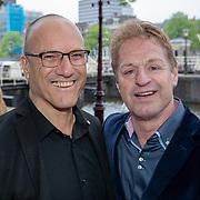 NLD/Amsterdam/20190520 - inloop Best of Broadway, Tony Neef en partner Benny Mizrahi