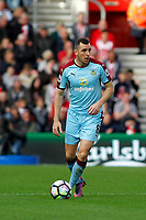 Football - 2016 / 2017 Premier League - Southampton vs. Burnley<br /> <br /> Dean Marney of Burnley in action at St Mary's Stadium Southampton <br /> <br /> Colorsport/Shaun Boggust