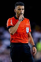 August 20, 2018 - Valencia, Valencia, Spain - Referee Jesus GIl Manzano whistles during the La Liga match between Valencia CF and Club Atletico de Madrid at Mestalla on August 20, 2018 in Valencia, Spain  (Credit Image: © David Aliaga/NurPhoto via ZUMA Press)