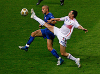 Photo: Glyn Thomas.<br />Italy v France. FIFA World Cup 2006 Final. 09/07/2006.<br /> France's Willy Sagnol (R) and Italy's Alessandro del Piero.