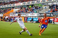 1. divisjon fotball 2018: Aalesund - Mjøndalen. Aalesunds Jørgen Hatlehol (t.h) slår et innlegg i førstedivisjonskampen i fotball mellom Aalesund og Mjøndalen på Color Line Stadion.