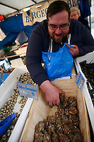 the Saturday Market on ave Saxe, Paris - photograph by Owen Franken - oysters