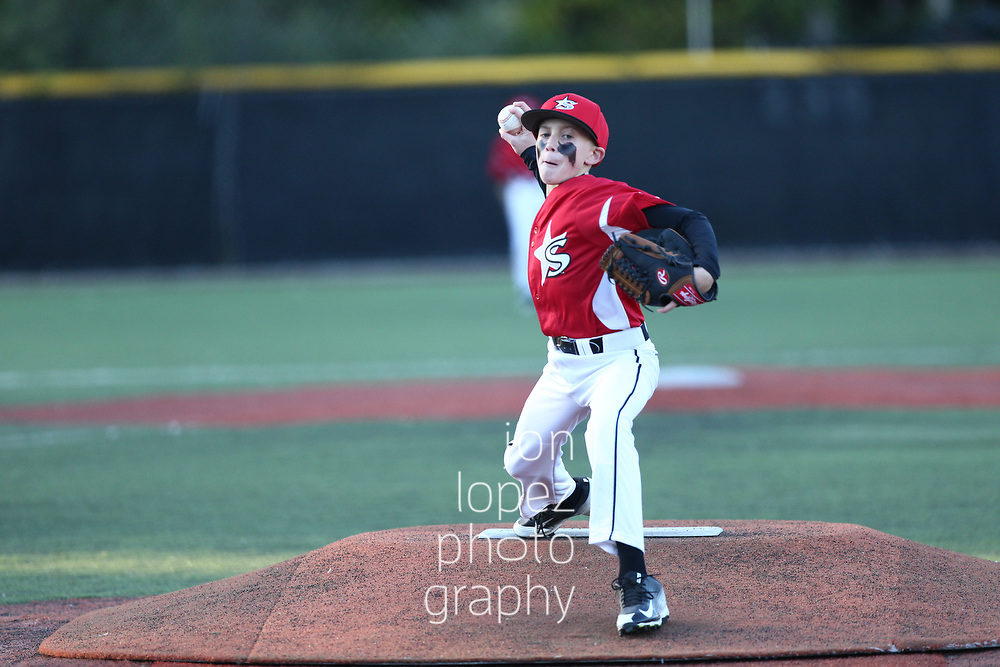 Holden Lipton and the Stars take the field at Baseball Heaven.