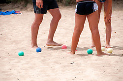 Salento - Puglia - Marina di Pescoluse - Ragazzi giocano a bocce sulla spiaggia di Pescoluse.