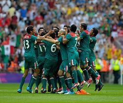 Olympics: Football, Final, Mexico - Brazil, London, 11.08.2012.Mexico celebrates winning.©pixathlon.