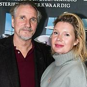 NLD/Amsterdam/20191201 - Nederlandse premiere The Addams Family, Tjitske Reidinga en partner Peter Blok