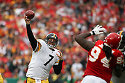 22 November 2009:  Pittsburgh Steelers quarterback Ben Roethlisberger (7) in game between the Pittsburgh Steelers and the Kansas City Chiefs at Arrowhead Stadium in Kansas City, Missouri.  The Chiefs defeated the Steelers 27-24 in OT. Mandatory Credit - James Allison / Southcreek Global